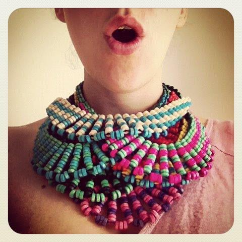 foto de collares coloridos