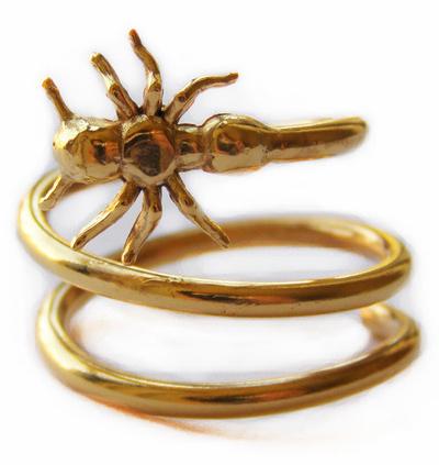 anillo con araña de HappyGoLucky